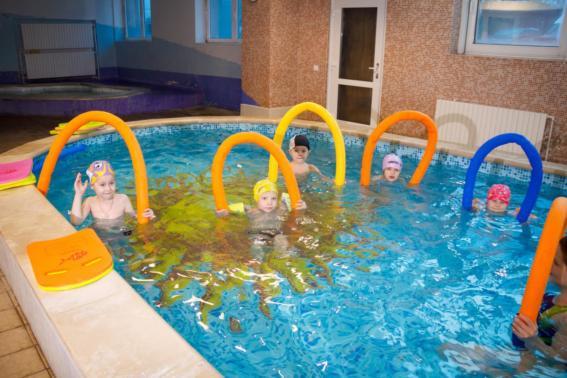Приглашаем деток от 3 до 6 лет на занятия по обучению плаванию