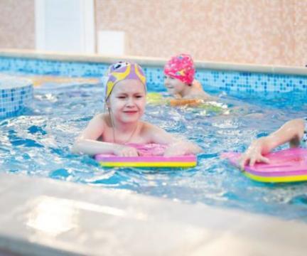 Приглашаем деток от 3 до 7 лет на занятия по обучению плаванию