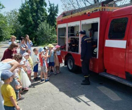 В гостях у наших садиков настоящие пожарные!!!