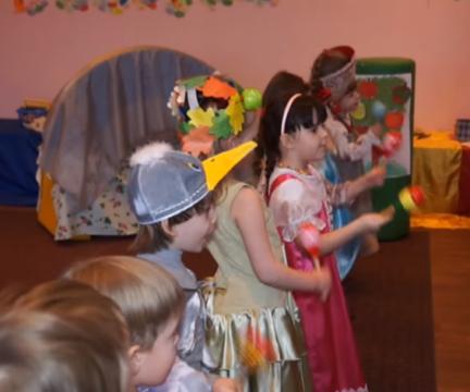 """Премьера сказки """"Гуси-лебеди"""" в младшей группе театральной студии """"Теремок"""" 20 марта 2013 года"""